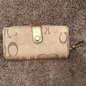Coach gold tones wallet 7.5X3.75in